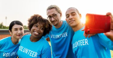How to Encourage Your Family to Pursue Volunteer Opportunities