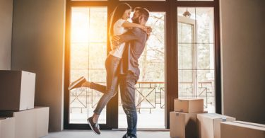 3 Things to Keep & 3 Things to Toss When Moving in Together