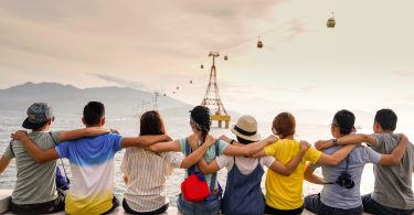5 Ways to Get Out and Make New Friends