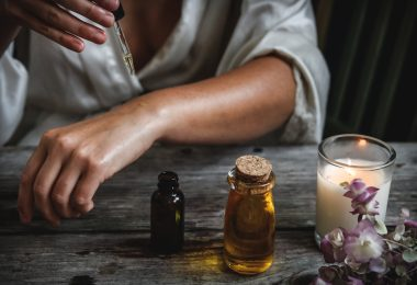 Ways to Use Essential Oils to Heal Your Mind, Body, and Soul