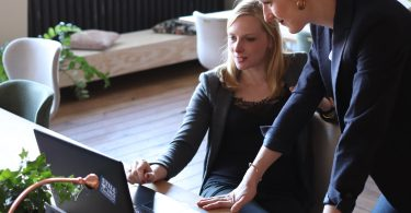 6 Reasons Your Small Business Should Hire a Consultant