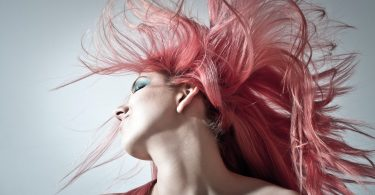 Common Causes of Damaged Hair (And Healthy Solutions)